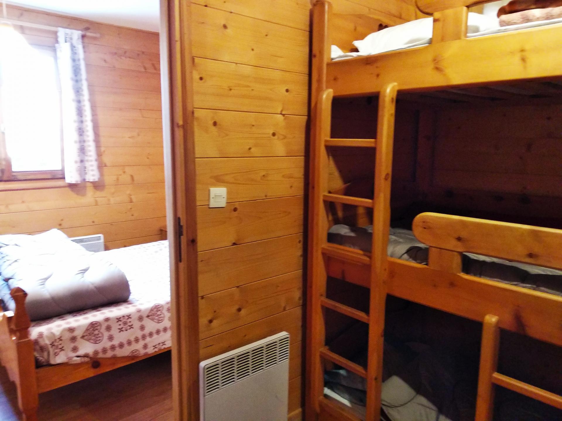 Aconit, chambre lit double et coin montagne 3 lits simples
